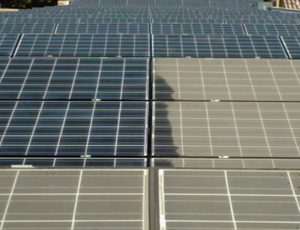 cleaning solar panels quickly and efficiently